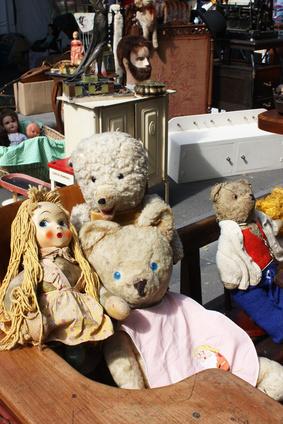 Hier findet der Teddy einen neuen Besitzer